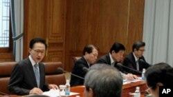 안보회의를 주재하는 이명박 대통령