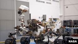 El punto medio exacto del viaje del Curiosity de la Tierra a Marte será alcanzado este domingo 1º de abril de 2012.