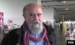 آقای عطار در ۷۴ سالگی در پاریس درگذشت.