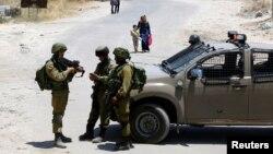نیروهای اسرائیلی در نزدیکی شهر حبرون