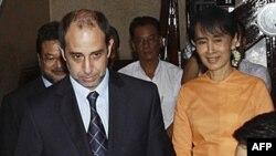 Ðặc sứ LHQ Tomas Quintana gặp lãnh tụ dân chủ Miến Ðiện Aung San Suu Kyi