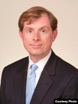 埃洛尼斯的律师 约翰•埃尔伍德