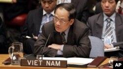 黎梁明2008年以越南駐聯合國大使身份在聯合國發言。(美聯社)