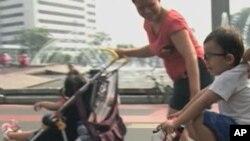 วันอาทิตย์ปลอดรถยนต์ที่ถนนสายหลักกลางกรุงจาการ์ตาทำให้ชาวเมืองมีความหวังว่า จะสามารถช่วยให้เมืองน่าอยู่ขึ้นได้