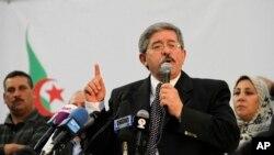 Le Premier algérien Ahmed Ouyahiaspeaks lors d'un rassemblement à Alger, le 5 mai 2012.