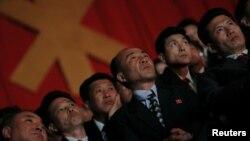 지난 11일 북한 주민들이 평양에서 열린 북한 노동당 제7차 대회 축하 합동공연 '영원히 우리 당 따라'에 참석했다. (자료사진)