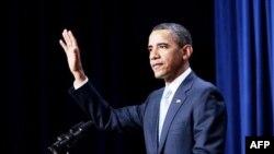 Tổng Thống Obama nói rằng lớn lên trong tình cảnh không có cha bên cạnh, đã khích lệ ông cố gắng làm hết sức mình trong việc nuôi dạy con gái Malia và Sasha