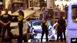 حمله به عابران پیاده با یک خودرو در بارسلون اسپانیا