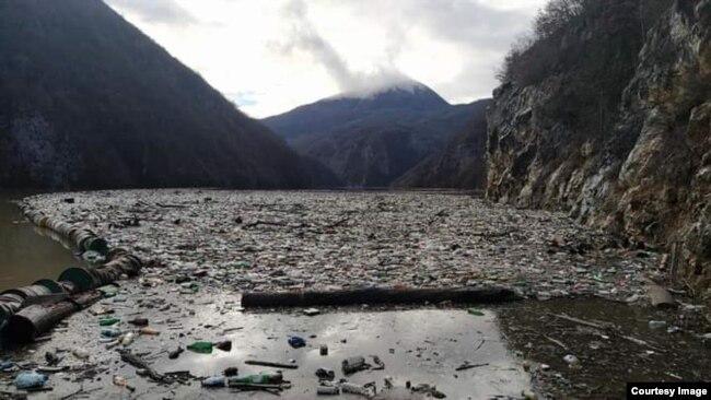 Otpad u rijeci Drini, Višegrad
