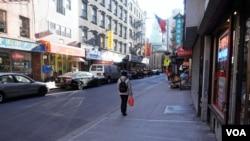纽约中国城街上冷清(陈作舟提供)