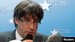 지난 31일 벨기에 브뤼셀에서 카탈루냐 자치정부의 카를레스 푸지데몬 수반이 기자회견을 하고 있다.