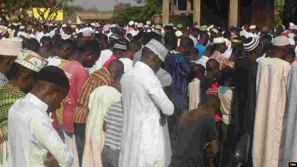 Guhimbaza umusi mukuru w'intama mu Burundi