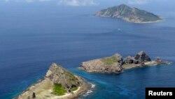 Nhóm đảo Senkaku (theo cách gọi của Nhật Bản) hay Điếu Ngư (theo cách gọi của Trung Quốc) tại biển Đông Trung Hoa.