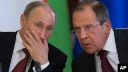 Владимир Путин и Сергей Лавров. Москва. Россия. 15 апреля 2013 г.