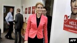 Bà Hell Thorning-Schmidt, nhà lãnh đạo đảng Dân chủ Xã hội Ðan Mạch, đến trụ sở Quốc hội ở Copenhagen, Ðan Mạch