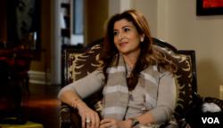 رویا خواجوی حیدری در آپارتمانش در نیویورک