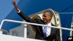 2014年2月14號美國總統奧巴馬登上空軍一號前往加州