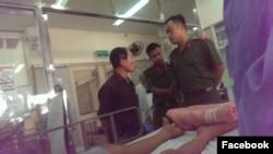 Công an ngăn chặn người nhà vào thăm em Đỗ Đăng Dư trong bệnh viện.