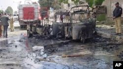 دھماکے سے تباہ ہونے والے رکشے