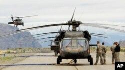 Dos helicopteros de la Guardia Nacional chocaron en Idaho falleciendo dos personas.