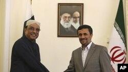 صدر محمود احمدی نژاد اور صدر آصف علی زرداری ۔ تہران