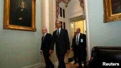 Барак Обама после встречи с сенаторами-демократами в Конгрессе. Вашингтон, округ Колумбия. 12 марта 2013 года