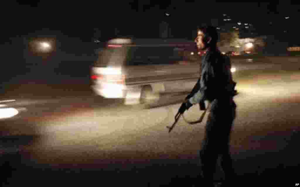 حمله مهاجمین طالبان مسلح بر هوتل انترکانتیننتل کابل