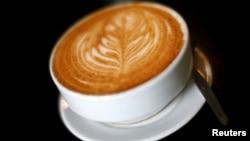 Secangkir kopi disajikan di sebuah kedai kopi di Caracas,Venezuela, 26 Februari 2015. (Foto:Dok)