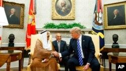 Дональд Трамп и эмир Кувейта Сабах аль-Ахмед аль-Джабер ас-Сабах