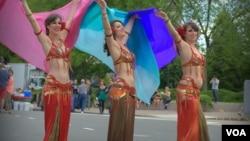Des danseuses orientales