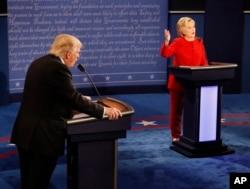 克林顿川普首场辩论中