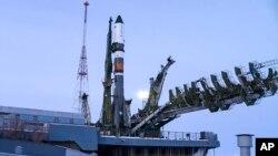سفینۀ سیوز روسی قرار بود فضانوردان را به ایستگاه بین المللی فضایی انتقال دهد