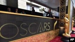 2016年2月28日洛杉矶杜比数字影院颁奖典礼展出奥斯卡金像