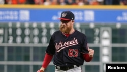 Бейсболист Шон Дулитл, Washington Nationals (Mandatory Credit: Troy Taormina-USA TODAY Sports)