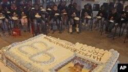넬슨 만델라의 93번째 생일을 축하하는 어린이들