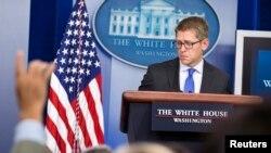 El portavoz de la Casa Blanca, Jay Carney, se vio presionado por las preguntas de los periodistas sobre la situación en Bengasi.