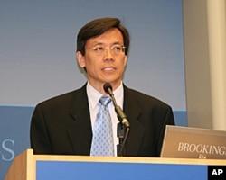 台湾政治大学国际关系研究中心麦克阿瑟中心主任刘复国