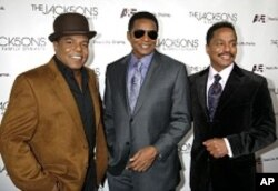 Brothers Tito Jackson (L-R), Jackie Jackson, and Marlon Jackson (file photo)