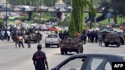 Des soldats ivoiriens mécontents manifestent dans Abidjan. 18 novembre 2014