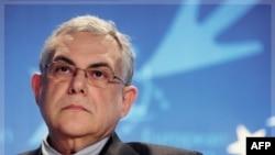 Thủ tướng tương lai của Hy Lạp Lucas Papademos