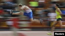 Para atlet Rusia berlomba dalam kejuaraan atletik di Moskow, Rusia bulan Februari lalu (foto: dok).