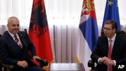 Premijeri Albanije i Srbije, Edi Rama i Aleksandar Vučić, tokom sastanka u Beogradu