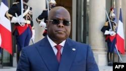 Le président de la République démocratique du Congo, Felix Tshisekedi Tshilombo, prononce un discours au palais présidentiel de l'Elysée à Paris, le 27 avril 2021.