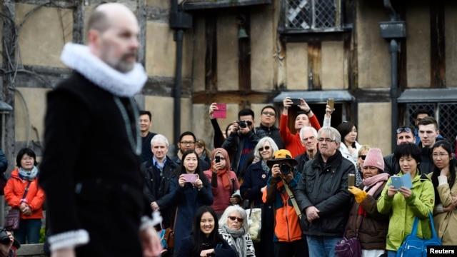 Inggris,Dunia Peringati400TahunKematian Shakespeare