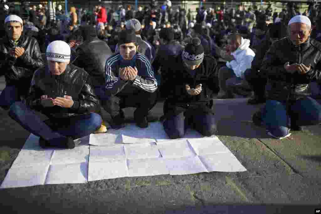 Moskva müsəlmanları məsciddə Qurban namazı qılır - 15 oktyabr, 2013