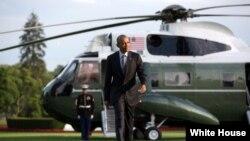 美国总统奥巴马2016年7月5日在白宫南草坪降落