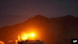 9월 24일 사우디 주도 연합군의 공습을 받는 사나 시내 (자료사진)