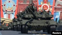 Военный парад на Красной площади (архивное фото)