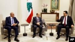 نخست وزیر جدید لبنان، حسن دیاب، در دیدار با رئیس جمهوری میشل عون و رئیس مجلس، نبیه بری