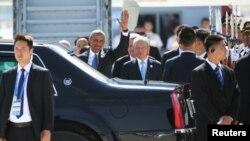 美国总统奥巴马抵达中国杭州萧山国际机场,出席G20峰会。(2016年9月3日)
